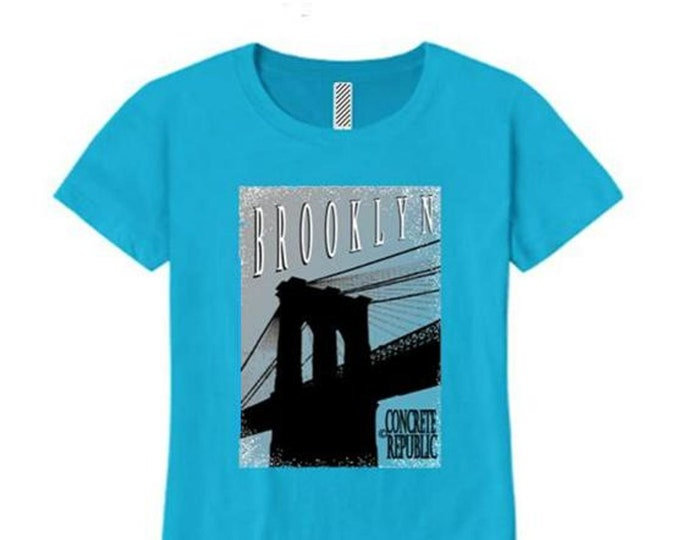 Womens Brooklyn Bridge crew neck t-shirt mural style graphic-assorted stylish colors (sizes Sm-4X)