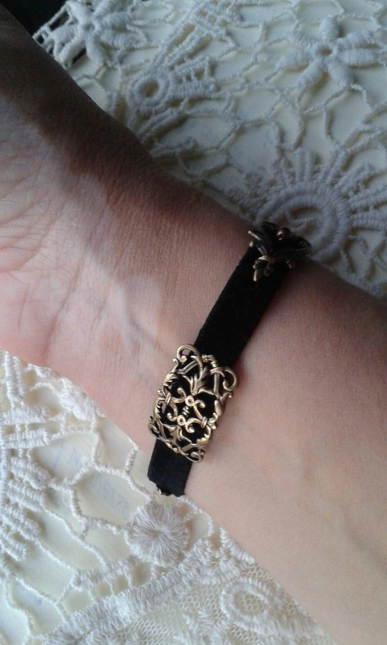ALFONS MUCH CALENDAR Elegant Art Nouveau bracelet with leaves and soft black velvet touch.