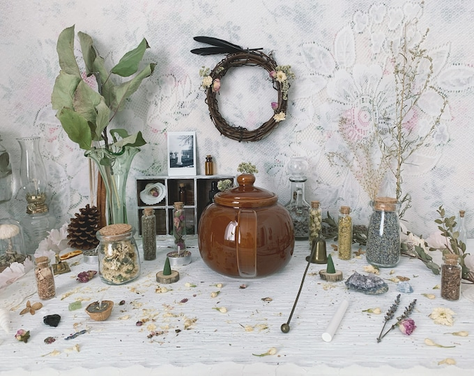 Apothecary Witch Altar // Herbalist Edition