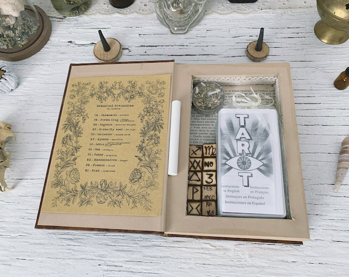 Vintage Divination set
