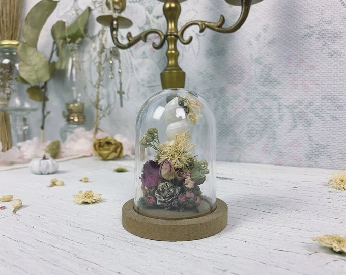 Small Botanical Biome // Florals