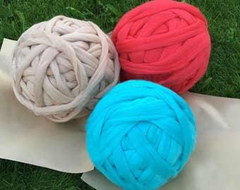 Free Shipping! Super bulky merino wool yarns. Wholesale Prices! Chunky knitting. Giant Yarn, Arm Knitting Yarn, Super Chunky Yarn