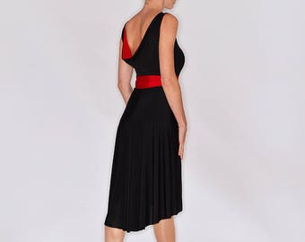 836222467b TROILO Tango Dress - in Black and Red