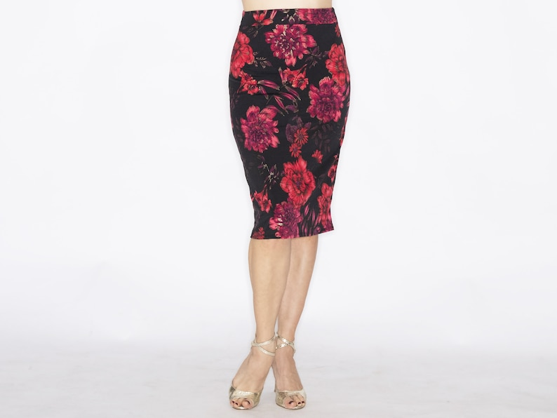 CAL\u00d3 ruched tango skirt in floral red and purple