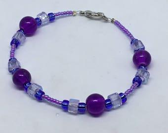 Smooth Futuristic Shades of Purple Bracelet – Indigo, Fuchsia, Grape, and Clear Glass Beads