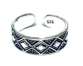 Solid 925 Sterling Silver Adjustable Diamond Toe Ring, Free UK Posting. FREE UK Posting