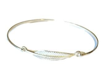 925 solid Sterling Silver Wire Leaf Bangle, Solid Silver, Minimalist Bangle, leaf Bracelet