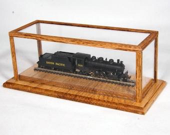Desk Top 'N' Scale Display Case in Golden Oak by Oak Hill Crafts