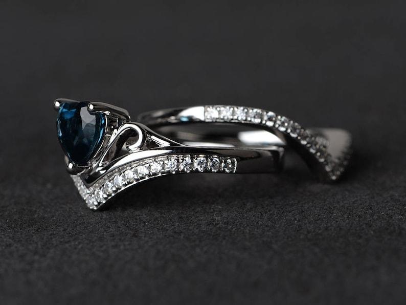 London blue topaz ring anniversary ring oval cut gems blue gemstone sterling silver ring November birthstone ring wedding bands