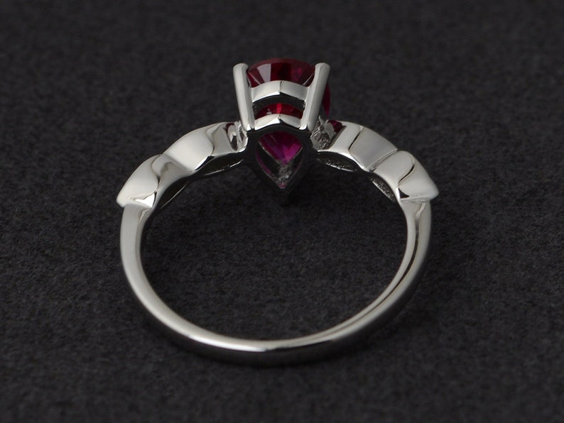 Red Coral 925 Sterling Silver 3-Line Minimalist Casual Ring SZ 7.5