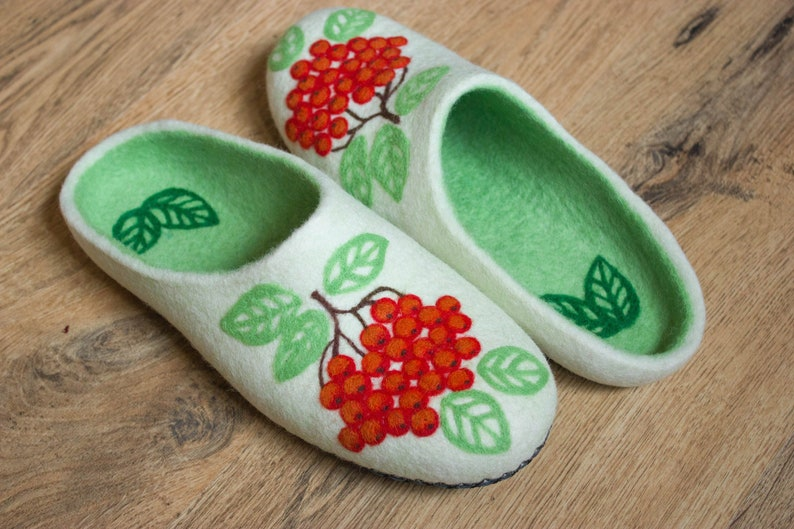 024e55fbfd001 Red Rowan White Green Wool Felted Family Slippers House Felt Woman Organic  Clogs Winter Christmas Wife Mother Gift Eco Friendly Home Shoes