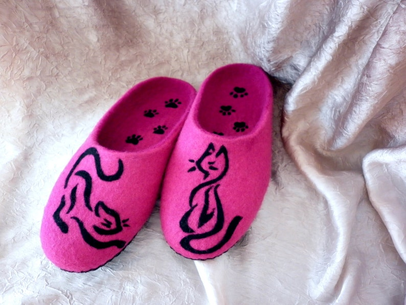 44d55e03707d8 Wool Felted Cat Pet Lover Slippers Pink Fuscia Women Shoes Animal Style  Wildlife Kingdom Gift Girlfriend Wife Her Home Clogs Forever Friends