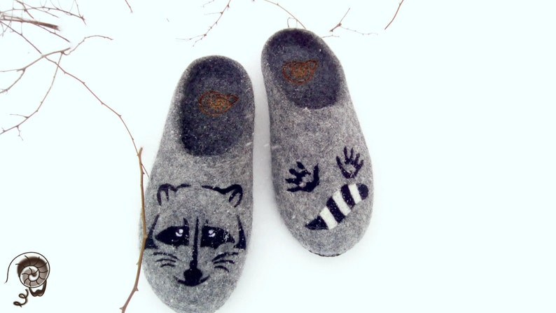 416a5239c2a78 Women Racoon Felted Comfy Slippers Wool Flats Gray Vegetarian Shoes Raccoon  Coon Felt Animal Painting Clogs Wildlife Kingdom Mother Gift