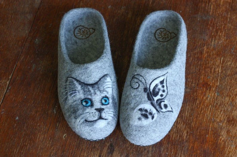 b16855364595 Grey Wool Felted Women Cat Butterfly Slippers Natural Eco