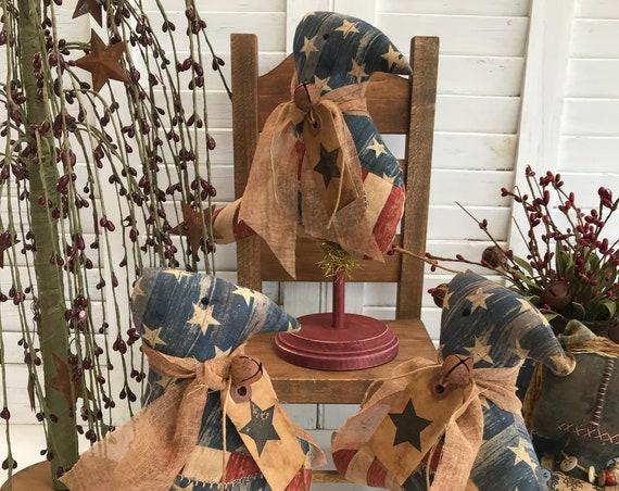 Primitive Americana Crows, Shelf Sitter, Americana Home Decor, Primitive Birds, Primitive Home Decor, Folk Art Bird Ornament, Crow Ornie