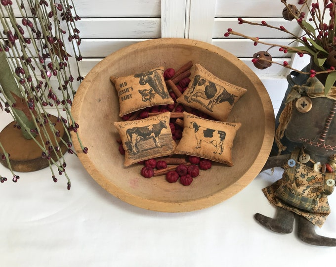 Primitive Pillow Tucks, Farm House Pillow Tucks, Kitchen Bowl Fillers, Cupboard Tuck, Farm House Home Decor, Primitive Home Decor, Tucks