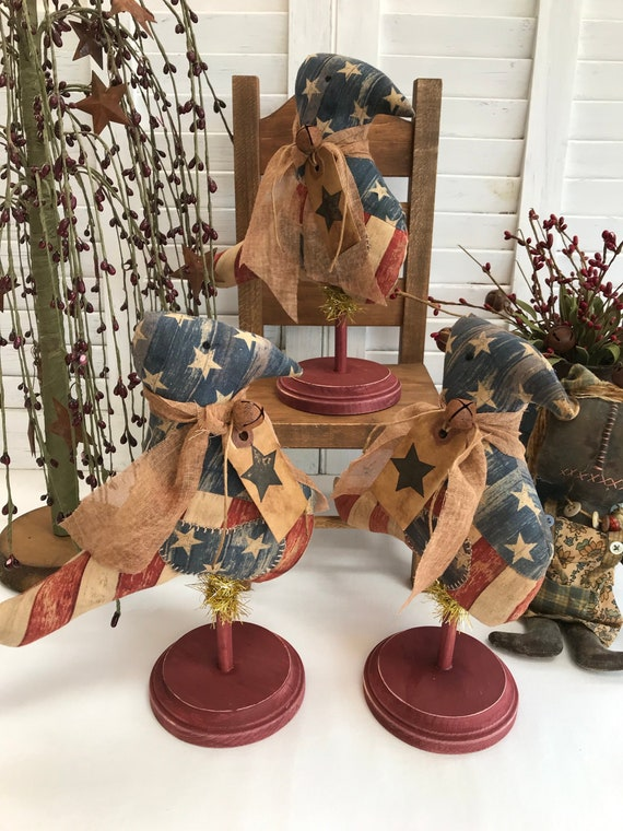 Primitive AMERICANA FLORAL WALL DRESS Grungy Decor Patriotic 4th of July Grungy
