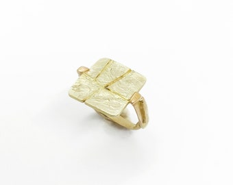 Solid Gold 18k Fragments Ring, Organic Texture Statement Ring, Unique Band Gold Ring, Strong Presence Gold 18k Ring, Dramatic Gold 18k Ring