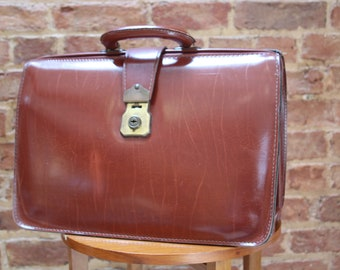 Richly Coloured Vintage Leather Doctor's/Gladstone Case