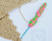 Intertwined Ergonomic Crochet Hook
