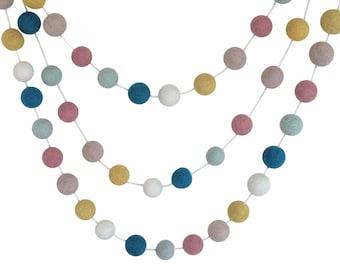 Pastel Garland / Pastel Nursery / Shabby Chic Nursery / Cottage Nursery / Boho Baby Shower / Peter Rabbit Nursery / Baby Girl Gift / Organic