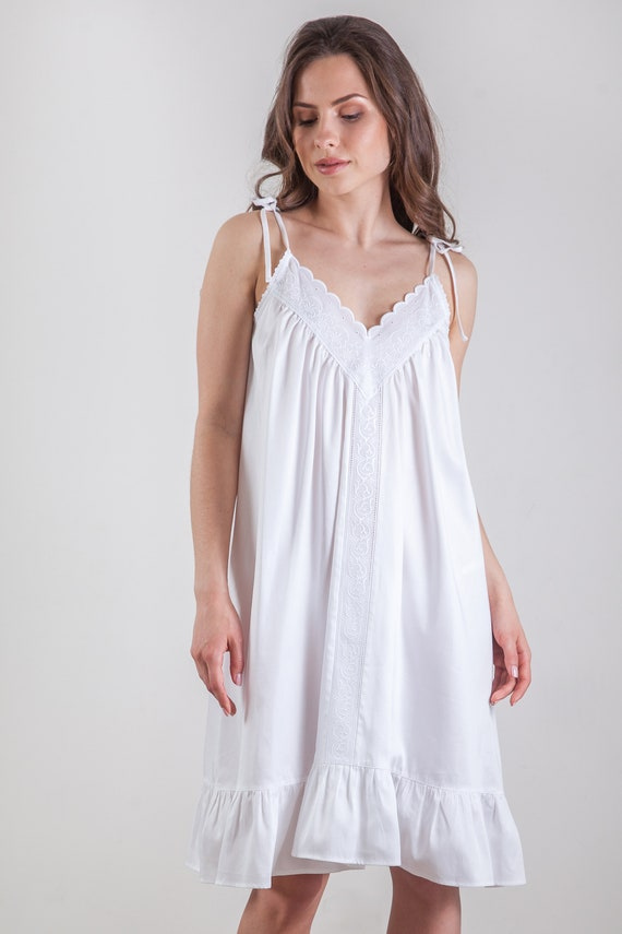 Vintage inspired cotton sateen nightdress Marcelinecotton  553622cdf