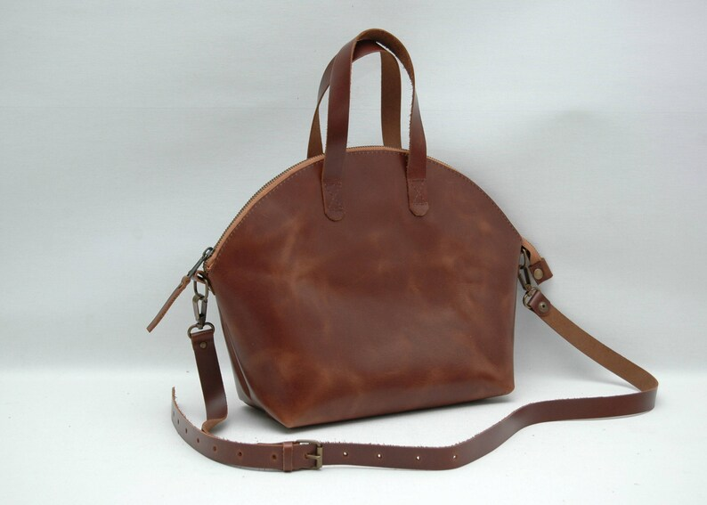 Leather tote\