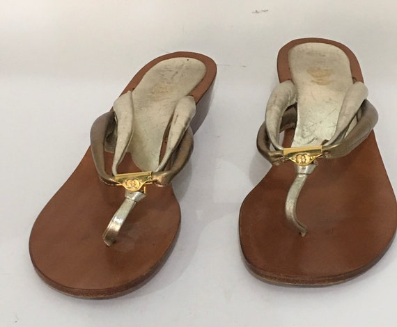 Vintage Gucci thong Sandals