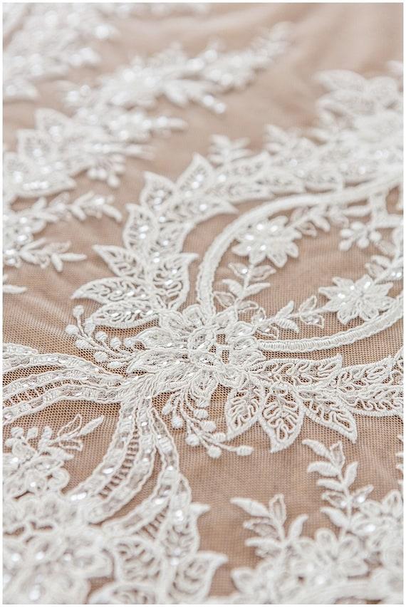 Tissu de fil dentelle florale avec des paillettes blanches, dentelle, mariée dentelle, blanches, tissu en dentelle robe de mariage, fleur en tissu dentelle, dentelle de Vino Julie (L17-122) 7cff2f