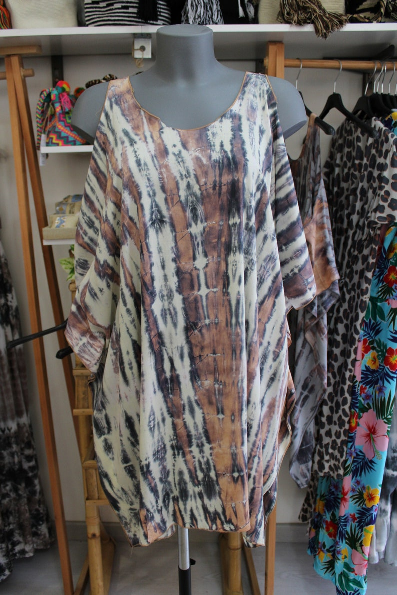 Short tie dye dress with shoulder to air made in Bali