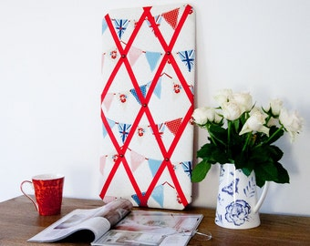 Red & Blue Bunting Flags Pinboard