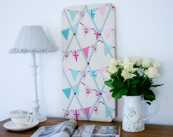 Pink Bunting Flags Pinboard