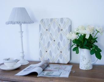 Grey & Cream Leaves Pinboard