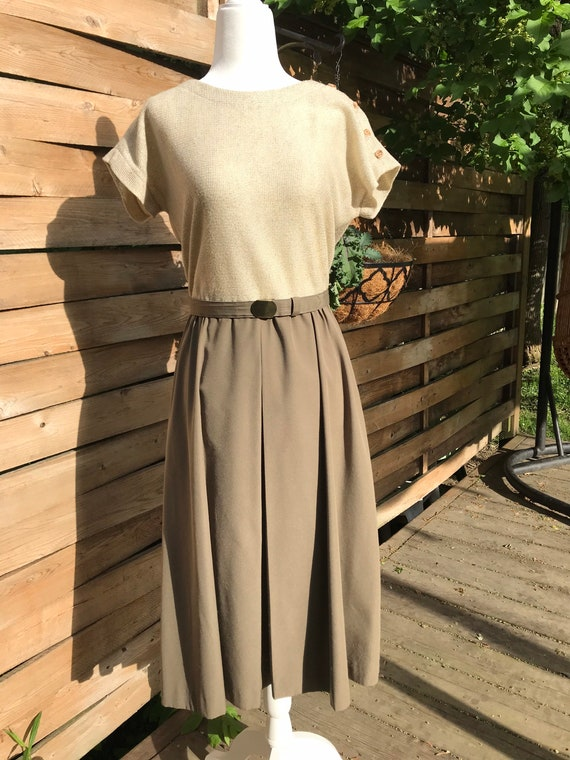Vintage belted dress // dolman short sleeve // kni