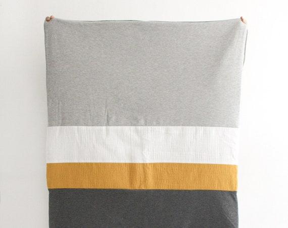 Playmat/soft mustard game blanket