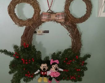 18 inch mickey mouse character grapevine wreath - Mickey Mouse Christmas Wreath