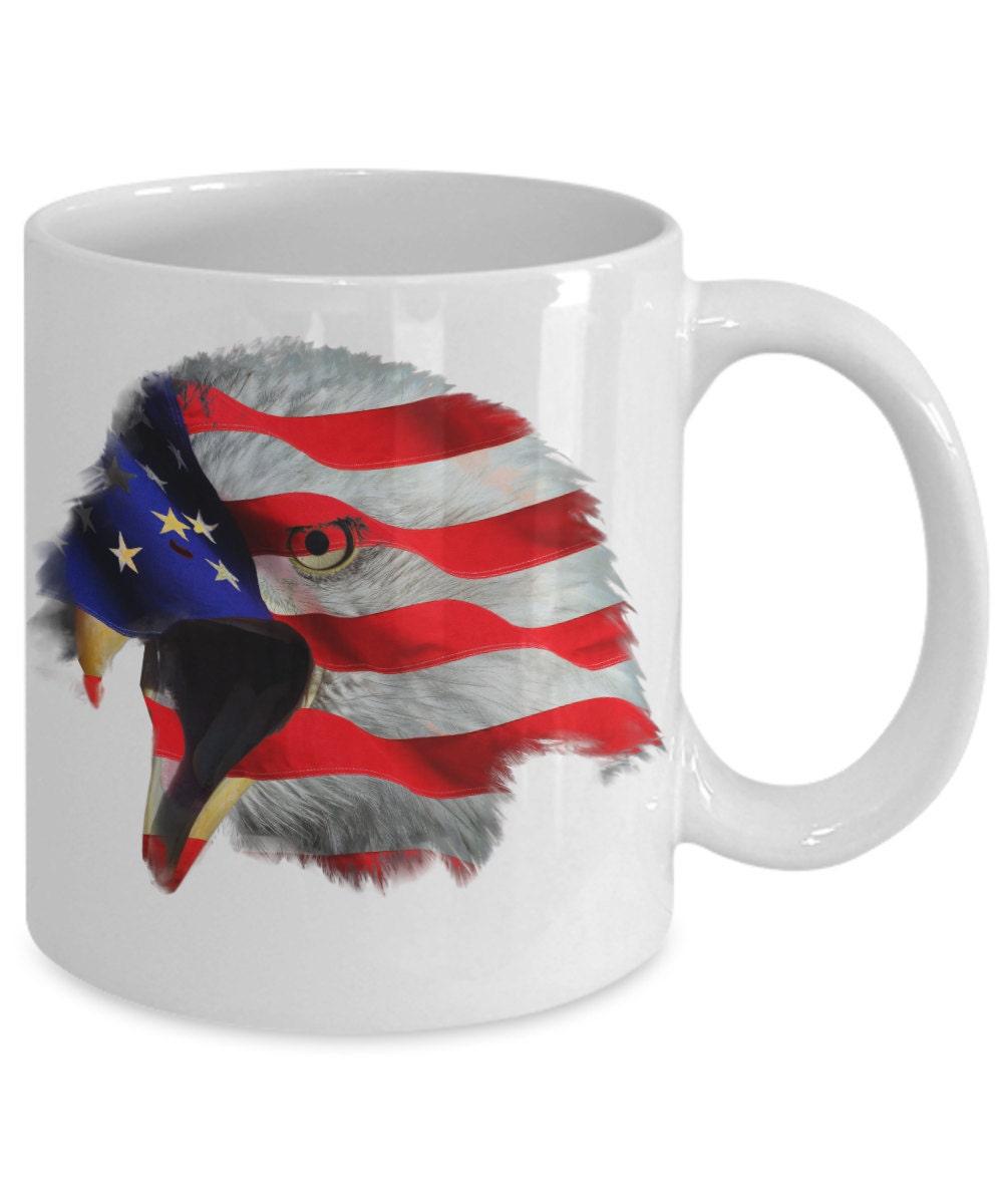 mug patriotique drapeau am u00e9ricain aigle  u00e0 t u00eate blanche