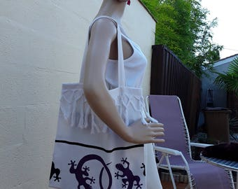Tote bag/Beach/hand bag in ecru cotton bag printed with black/purple salamanders and fringed on the front