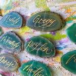 Green Agate Place Cards with Calligraphy // Agate Escort Cards // Wedding Agate Slices // Geode Place Cards // Agate Slice Calligraphy