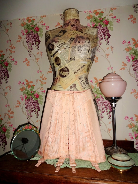 Vintage 1940s 1930s Peach Tea Rose Damask Brocade… - image 9