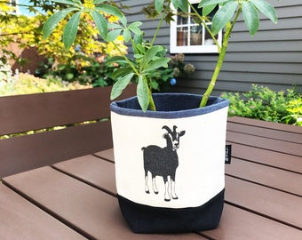 Off-White Goat 4-inch Fabric Bin / Soft Pot