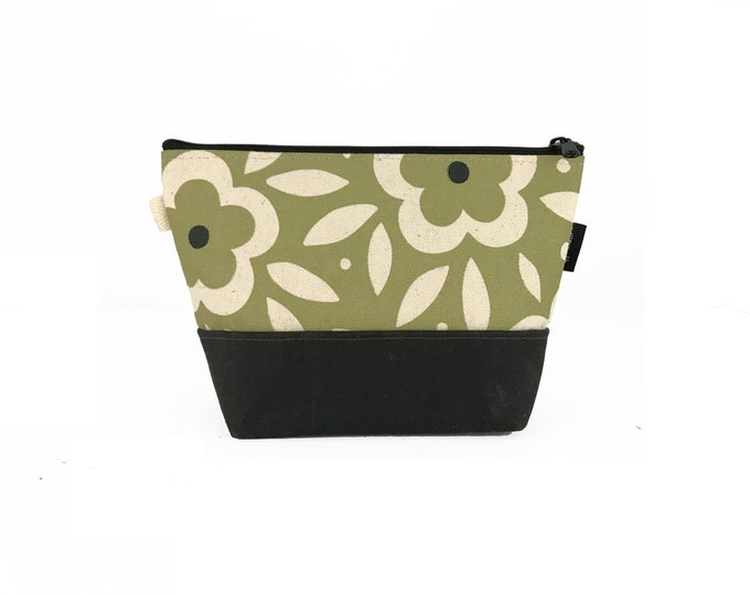 Green Floral Waxed Canvas Zipper Pouch