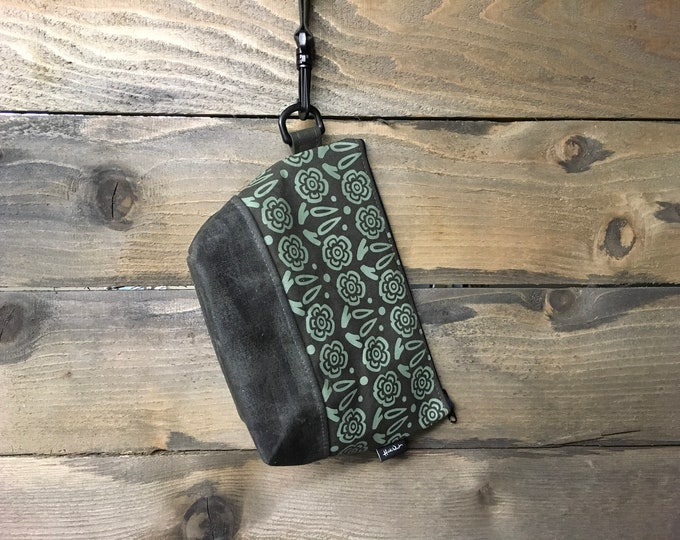 Large Green Block Flower Waxed Canvas Cosmetic Bag/Project Bag with Detachable Handle