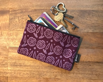 Wine Block Flower 7-inch Zipper Pouch