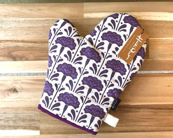 Ready to Ship - Carnation Pattern Oven Mitt - Cotton Canvas - Housewarming - Screen Printed - Hand Printed - January Birth Month Flower