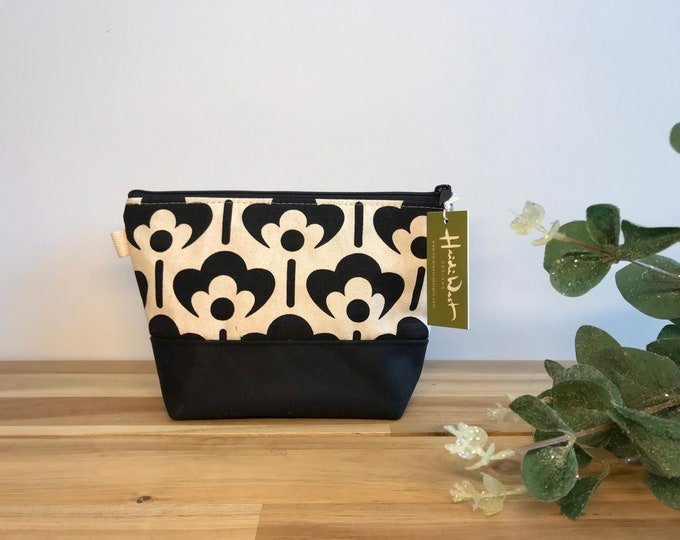 Meadow Flower Pattern Zipper Pouch - Waxed Canvas - Cosmetic Bag - Screen Printed - Hand Printed -