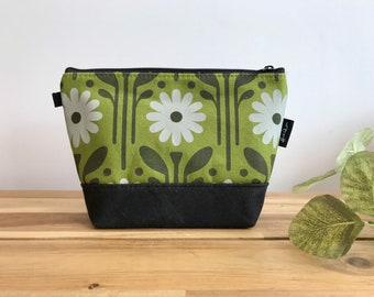 Ready to Ship - Green Daisy Zipper Pouch - Waxed Canvas - Cosmetic Bag - Screen Printed - Hand Printed - April Birthday - Birth Month