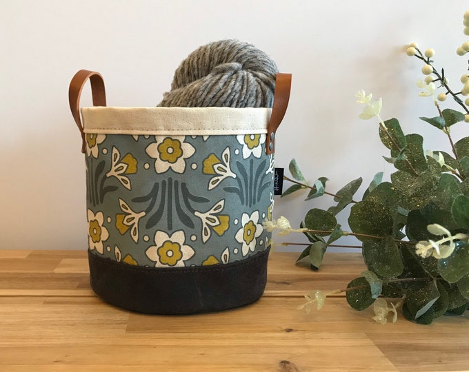 Ready to Ship - Daffodil Flower Pattern Fabric Bin - March Birth Month - Screen Printed Fabric Bucket - Gift for March - Floral