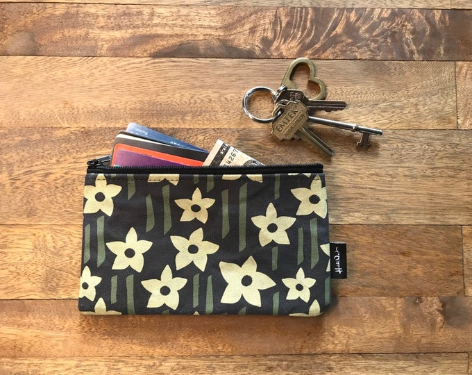 Charcoal Gray Daffodil 7-inch Zipper Pouch