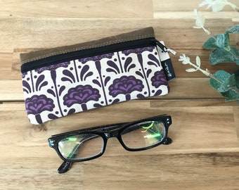 Ready to Ship - Carnation Pattern Eyeglass Case - Eyeglass Holder - Screen Printed - January Birth Month - Glasses Case